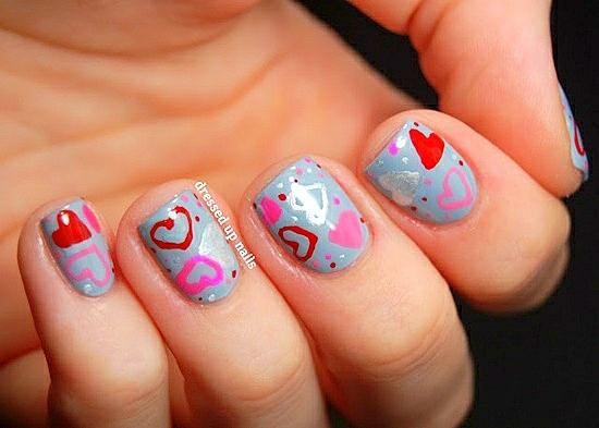 маникюр къси нокти сърца