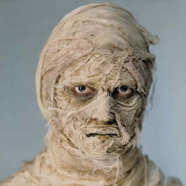 направи-си-сам-костюм-мумия-за-хелоуин