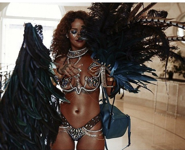 Риана на карнавала Барбадос