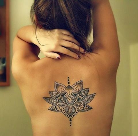 татуировки с цветя