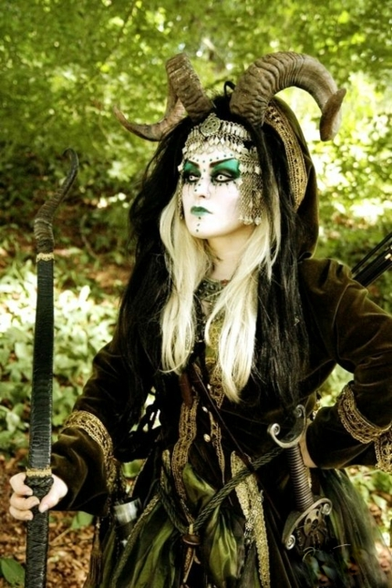 хелоуински-костюми