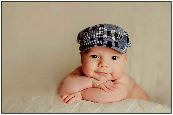 bebe na 4 meseca