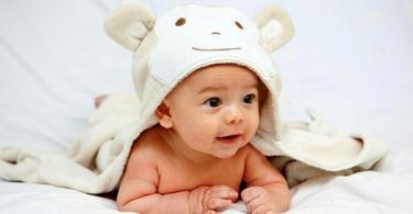 бебе на 5 месеца