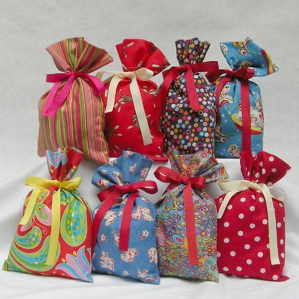 опаковане на коледни подаръци