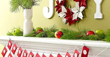 Коледна украса с гирлянди