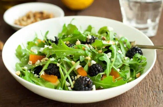 salata s rukola