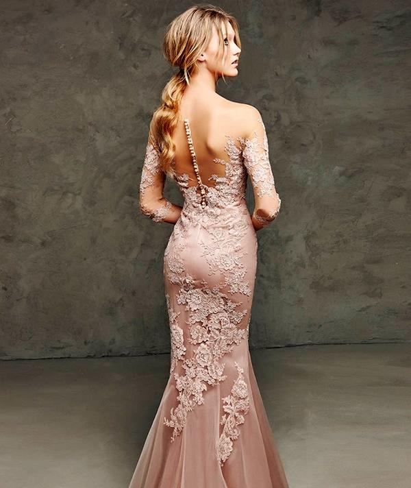 бежови абитуриентски рокли