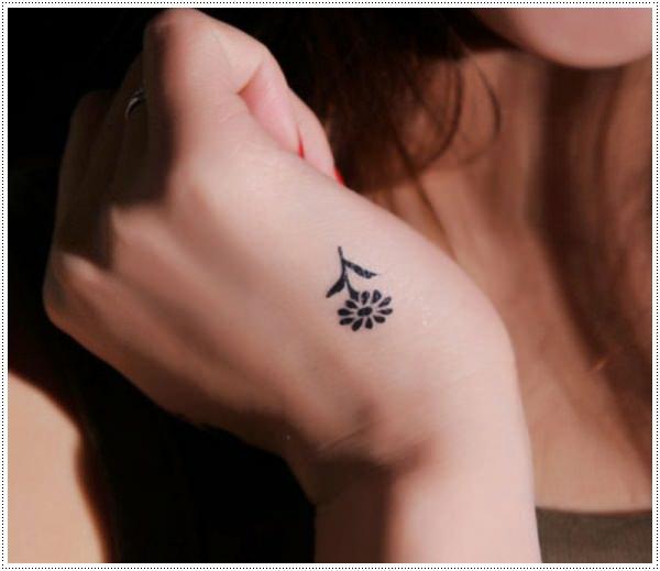 малки татуировки за жени