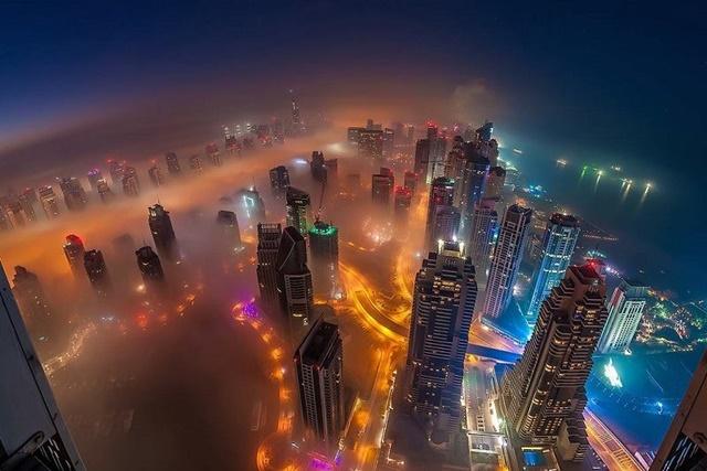 мъглата над Дубай