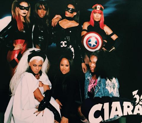 хелоуин костюмите на звездите 2015