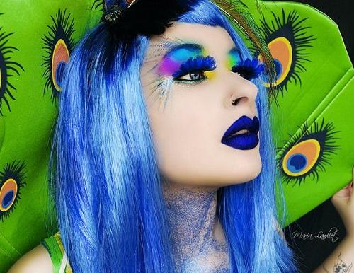 helouin kostumi s cvetni peruki