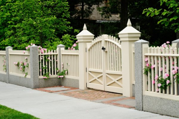 durvena ograda za gradinata