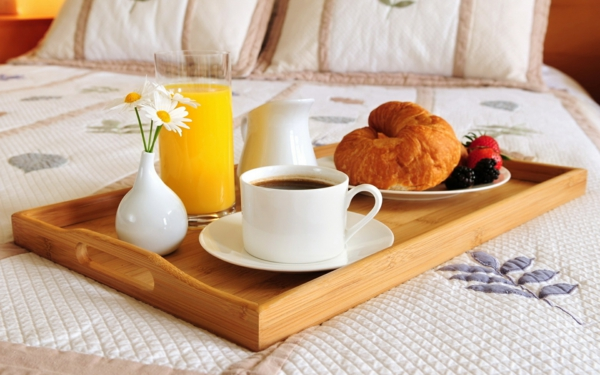закуска в леглото