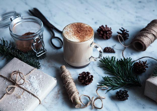 топли Коледни напитки