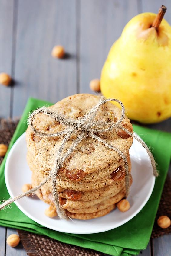 Коледни бисквити с круши