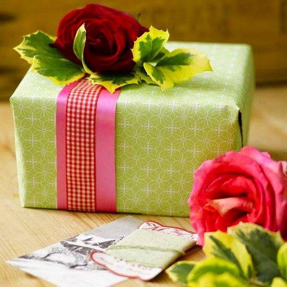 опаковане-на-коледни-подаръци