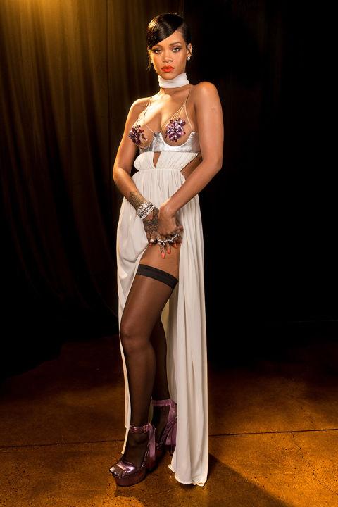 прозрачна рокля