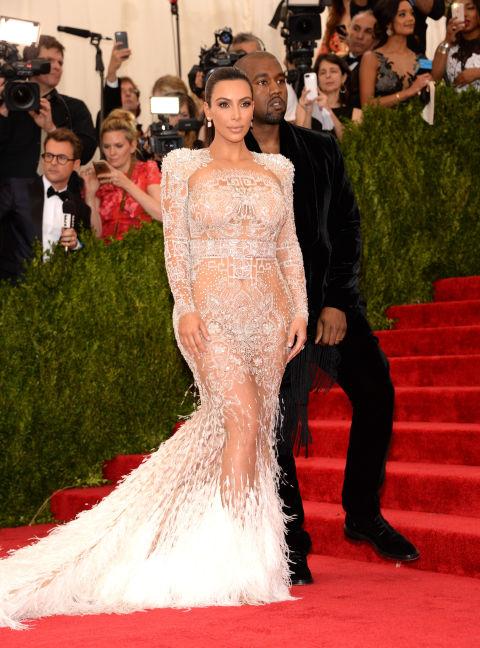 прозрачна-рокля
