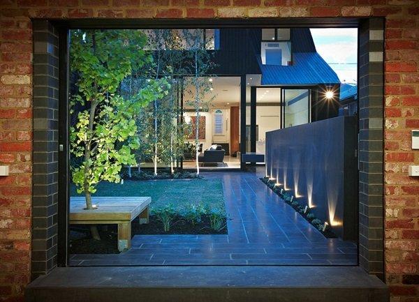 соларни лампи за градината
