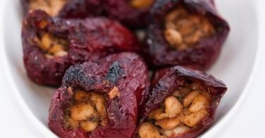 рецепти-за-бъдни-вечер-пълнени-сушени-чушки-с-боб