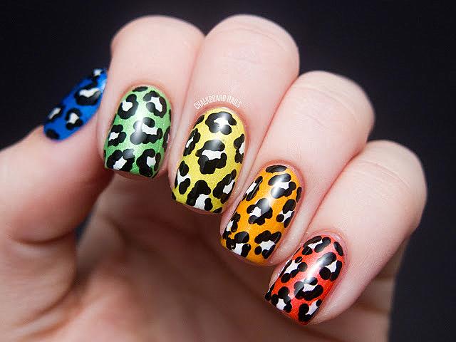 леопардов-маникюр