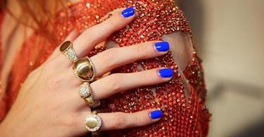 цвят-лак-за-нокти