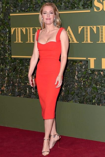 червена-рокля
