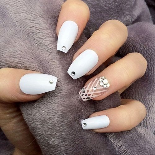 13 Nail Art Ideas For Teeny Tiny Fingertips Photos: интересна нова тенденция