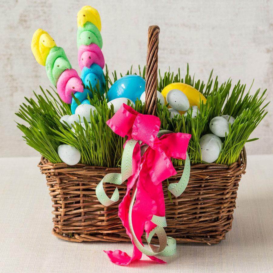 кошница за Великден с райграс