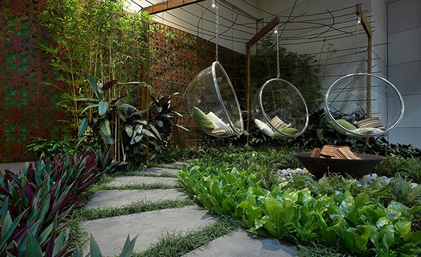 Моята градина – зелено кътче в малко пространство