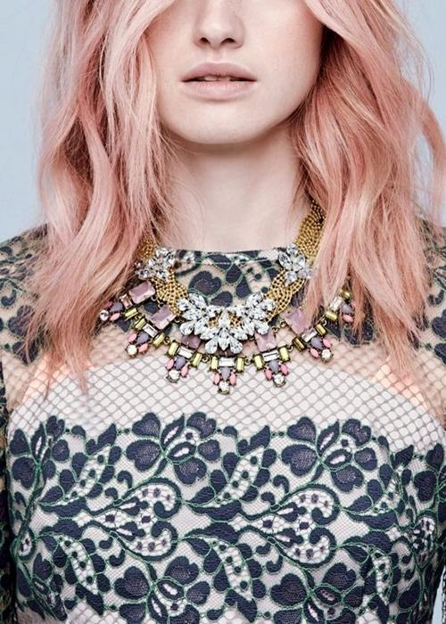 blondinka cvqt rozovo zlato