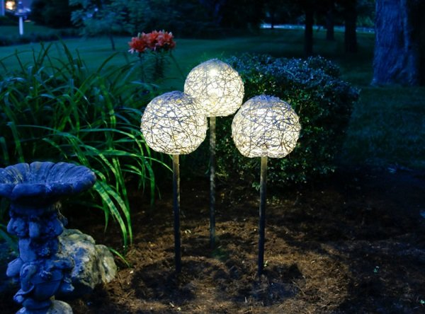 solarni lampi za gradinata
