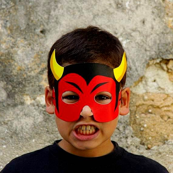 maska dqvol za helouin za deca