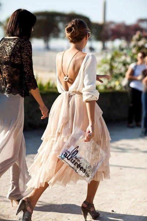 рокли с гол гръб