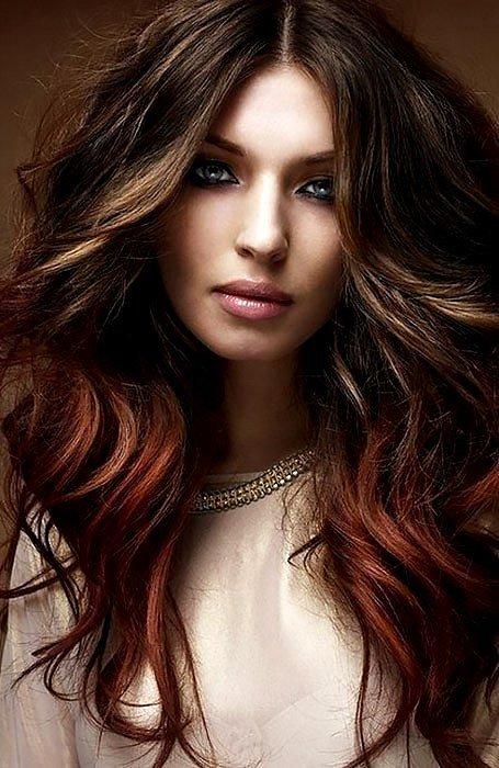 кестенява коса с кичури