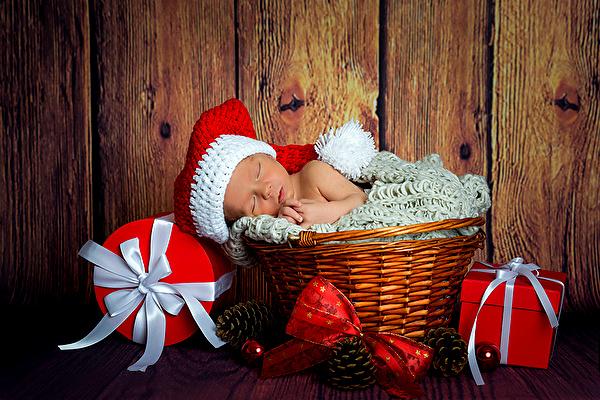 koledna kartinka s novorodeno bebe