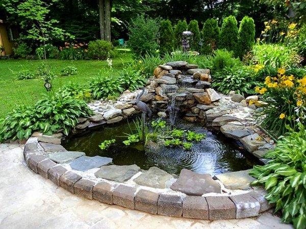 Идеи за малки езера в двора и градината