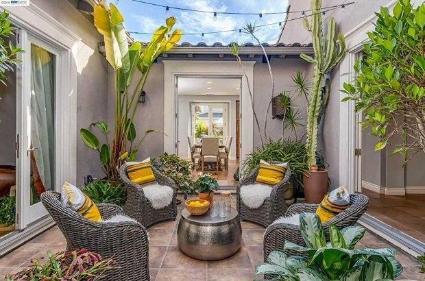 двор и градина