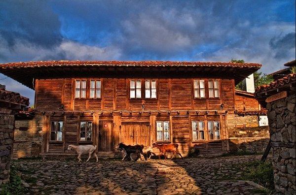nai krasivite sela v bulgariq selo jeravna