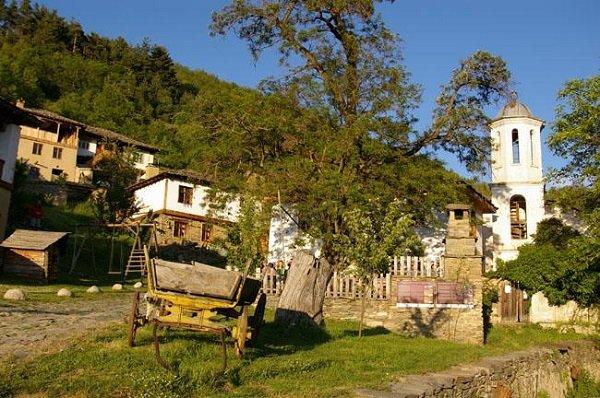 nai krasivite sela v bulgariq selo leshten