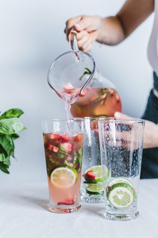 recepta za domashna limonada s laim qgodi i bosilek