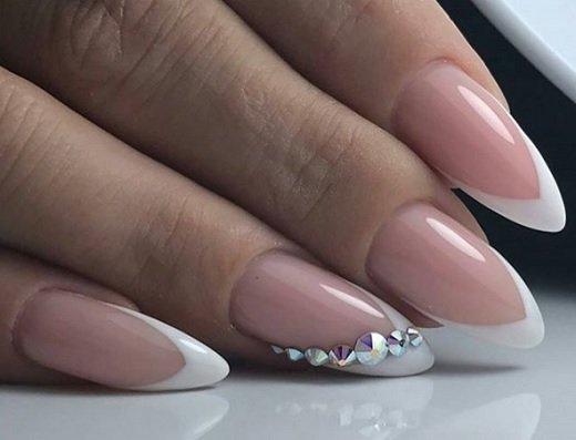 frenski manikur za dulgi ostri nokti