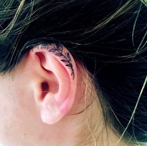 tatuirovka malka uho