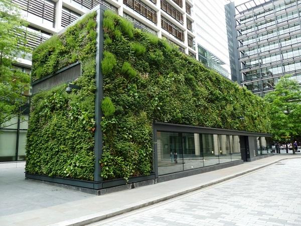 green walls na sgrada