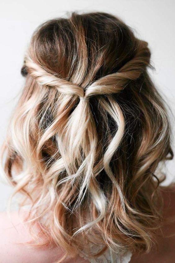 koledna pricheska s polu pribrana kosa