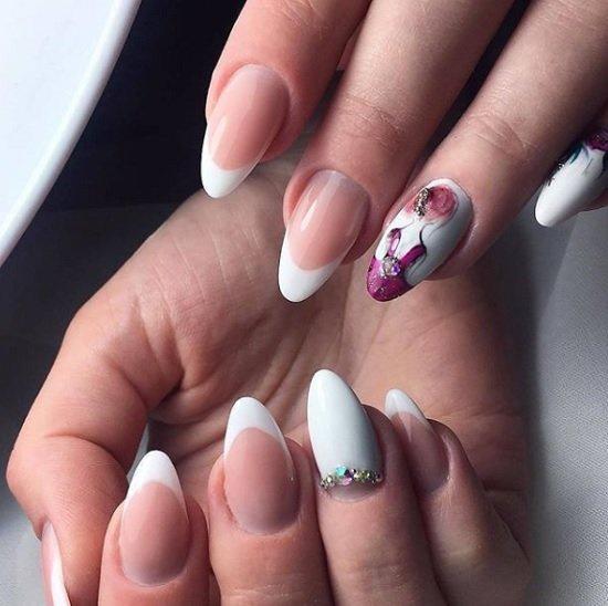 frenski manikur za nokti badem s dekoraciq