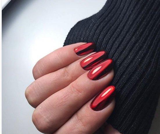 cherven manikur za badem nokti