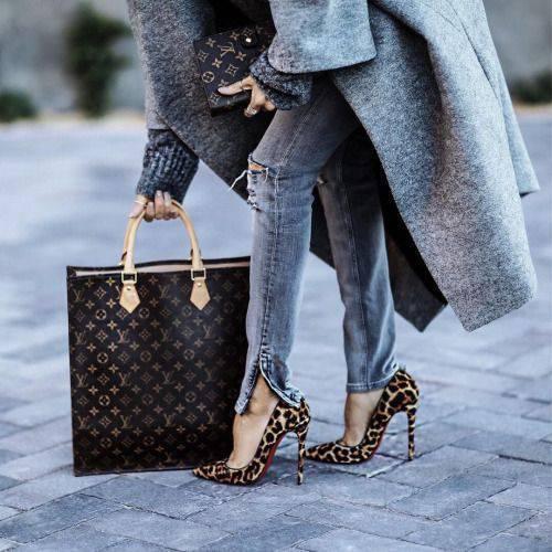 leopardovi obuvki na tok