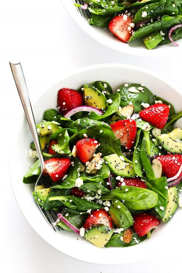 salata sus qgodi i spanak