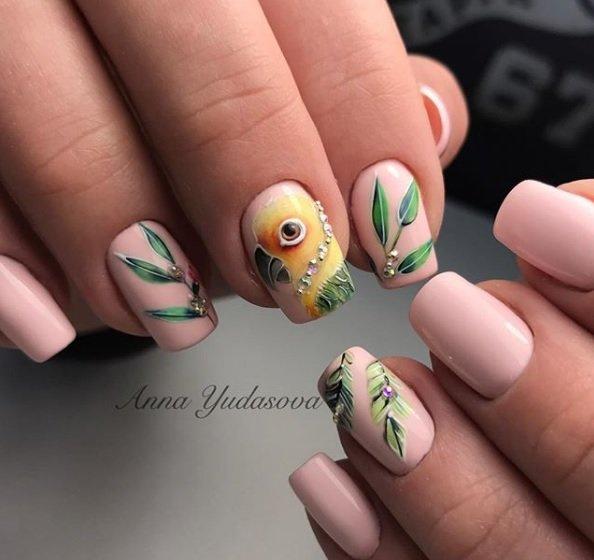 manikur s dekoraciq